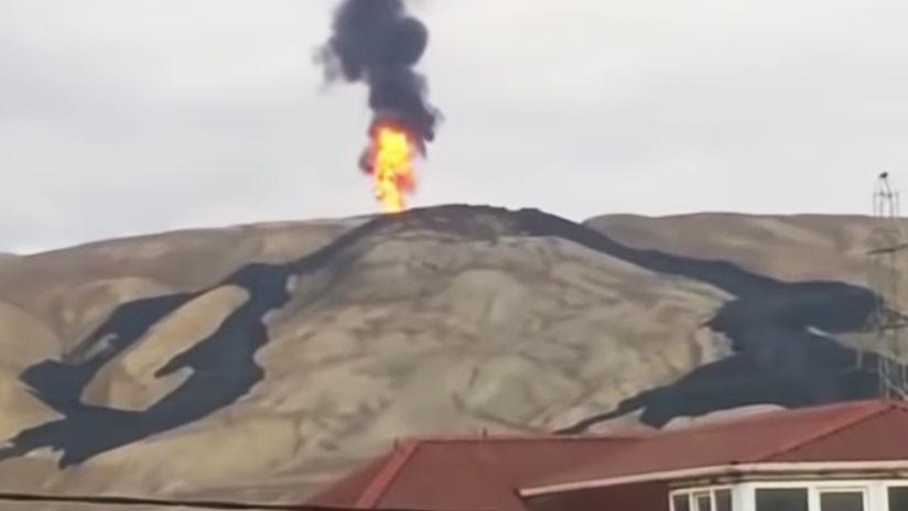 Entra en erupción uno de los volcanes de lodo más grandes del mundo (VIDEO)