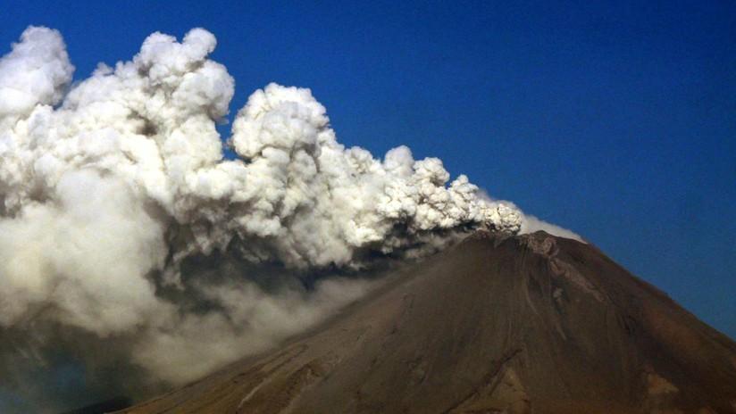 México: Registran dos sismos y emisión de cenizas del volcán Popocatépetl