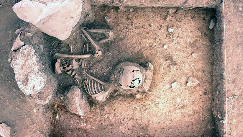 Perú: Expertos descubren en Cusco dos entierros humanos de 3.000 años de antigüedad