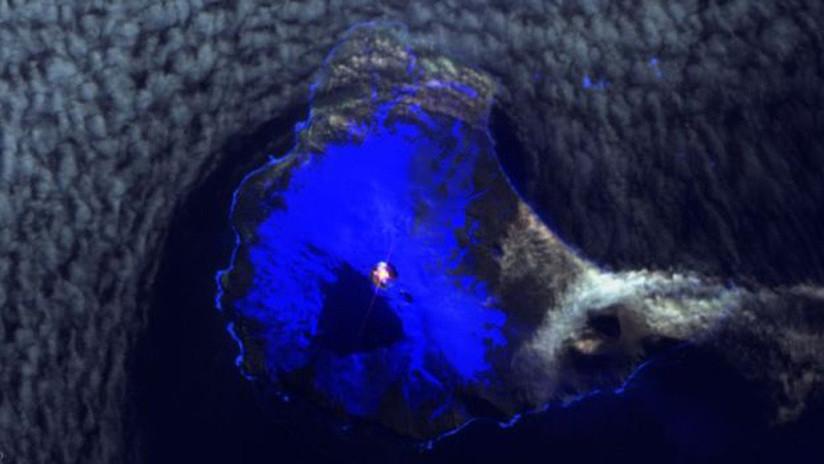 FOTOS: Hallan un lago de lava persistente dentro del cráter de un volcán en una remota isla