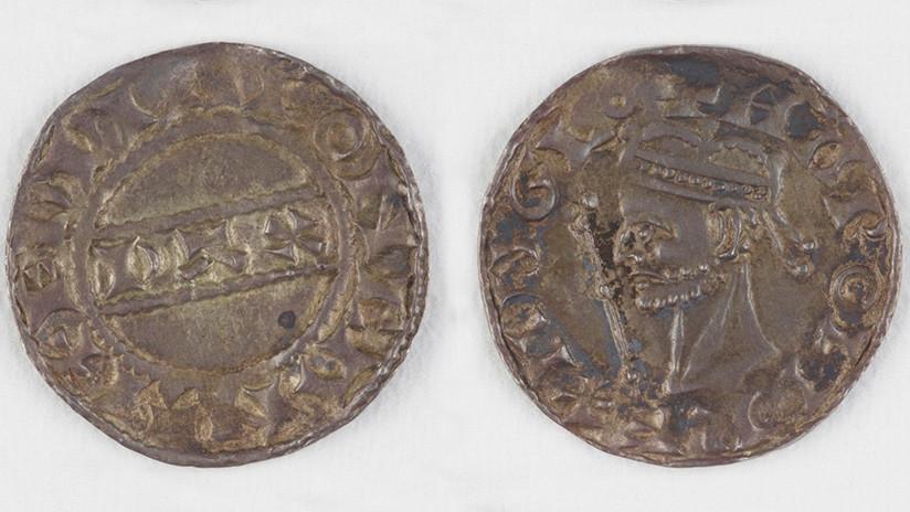 Una pareja británica encuentra un tesoro medieval de hace 1.000 años valorado en 6 millones de dólares