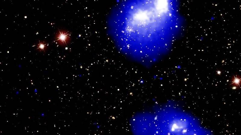 """FOTO, VIDEO: 4 cúmulos de galaxias estáncolisionando para formar """"uno de los objetos más masivos del universo"""""""