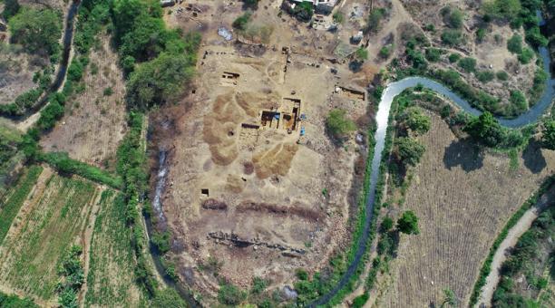 Un pequeño templo megalítico con una antigüedad de 3 000 años que fue sagrado fue descubierto en Perú. Foto: AFP/Henry Ramírez Olano.